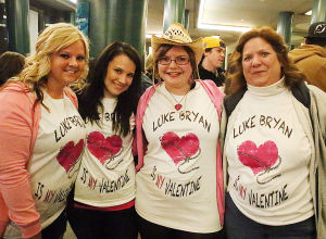 Luke Bryan Review: Fans wait for gates to open. Saturday February 15 2014 Luke Bryan at Atlantic City Boardwalk Hall. (The Press of Atlantic City / Ben Fogletto) - Ben Fogletto