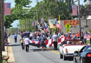 Memorial Day Parade S. Point: Paraders travel down Shore Road, Monday May 27, 2013, during the Somers Point Memorial Day parade. (The Press of Atlantic City/Staff Photo by Michael Ein)  - Michael Ein