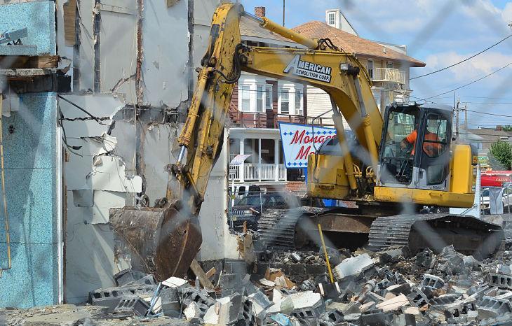 Monaco Motel demolition