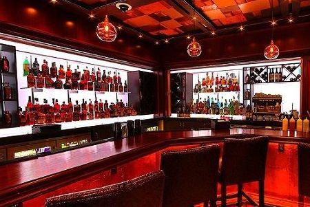 Harrah's lobby bar