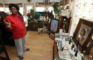Woman uses photos, memories in building models of early sites