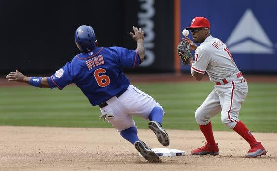 Howard's big pinch hit leads Phillies to sweep of Mets