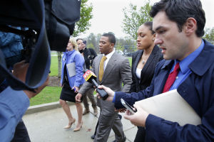 Ray Rice Arraigned: Baltimore Ravens player Ray Rice, center, and wife Janay Palmer arrives at the Atlantic County court house in Mays Landing, Thursday May 1, 2014, for his arraignment. Rice faces assault charges for the alleged assault at Revel in Atlantic City on his now wife. (The Press of Atlantic City/Staff Photo by Michael Ein) - Michael Ein