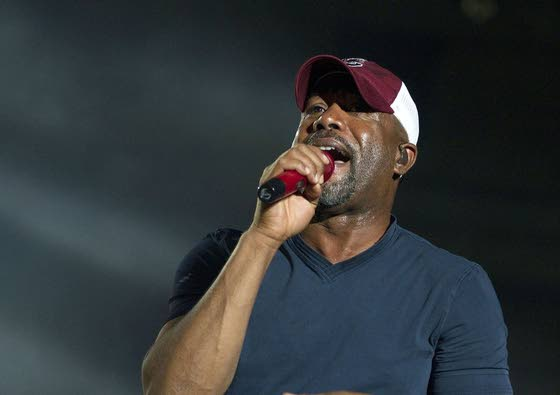 Music: Forget about Hootie -- Darius Rucker was born to sing country
