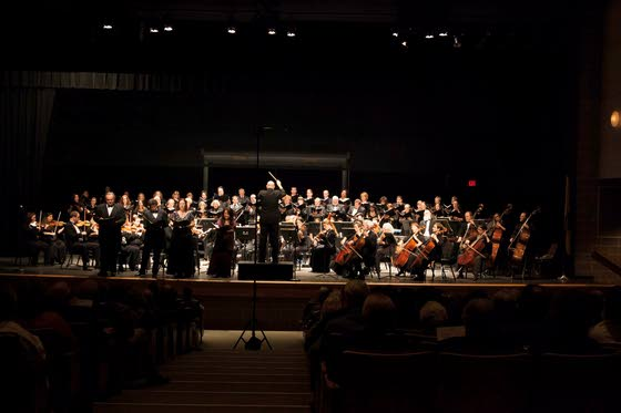 Dinner theater storms into Palm; Bay-Atlantic Symphony does Beethoven