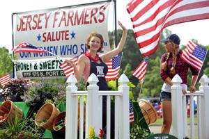 JL05 July 4 parade