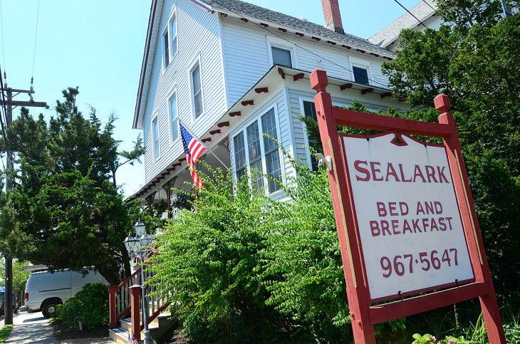 Bed and breakfasts in Different Locations