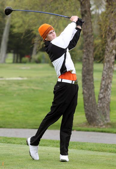 Middle's David Hicks wins playoff in tricky conditions