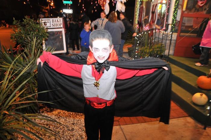 Halloween Normalcy112398311.jpg