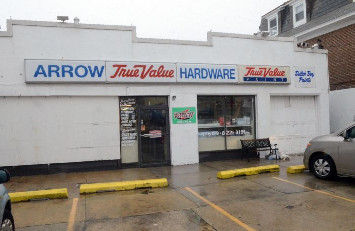 arrow hardware