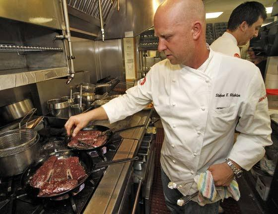'Top Chef' competitor shares his restaurant recipes