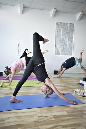 O.C. woman follows dream, opens own yoga studio