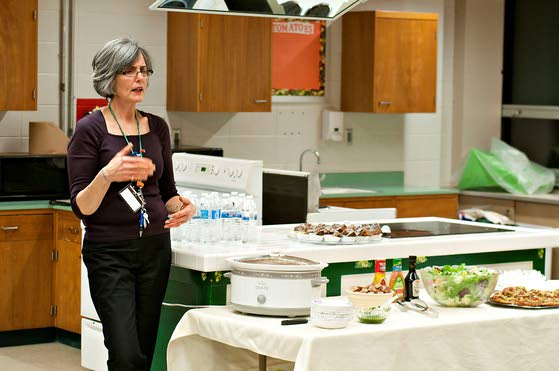 Jordan Road School teacher gets word out on eating healthy diet