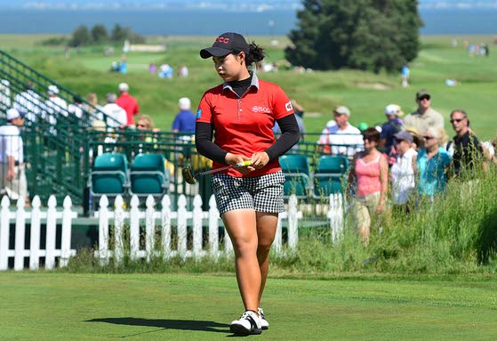 China's Shanshan Feng takes advantage of early tee time to grab 3-shot lead at ShopRite LPGA Classic