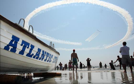 All Eyes on the SkyA.C. Air Show, parade return to thrill masses