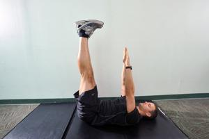 Your workout: V-Up Variation