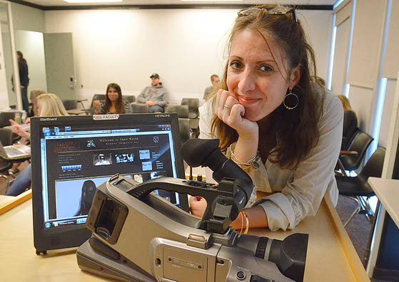 Stockton professor turns her camera to the world of gamers