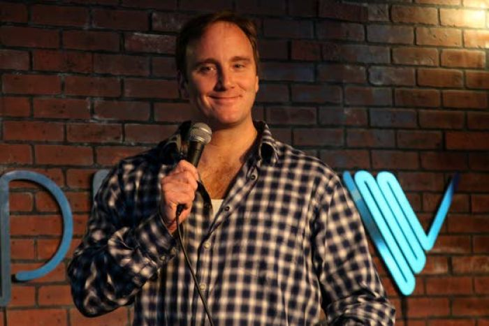 Jay Mohr expands his comedy on the radio