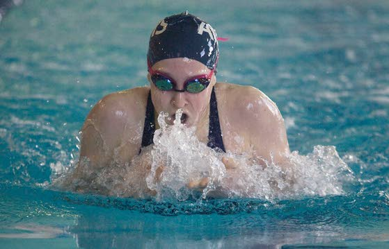 Atlantic City freshman Colleen Callahan breaks a meet record and wins Hackneys