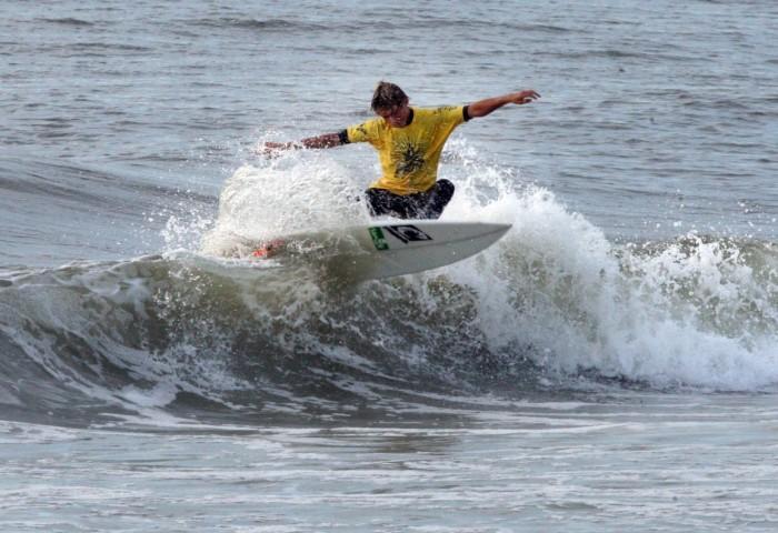 Surfing America contest
