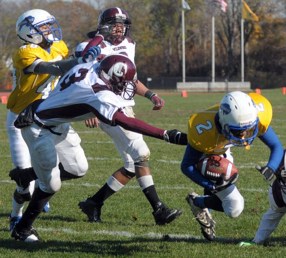 Wildwood routed in playoff debut