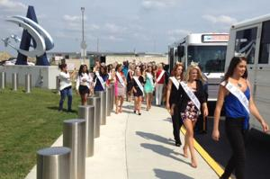 miss a contestants arrive