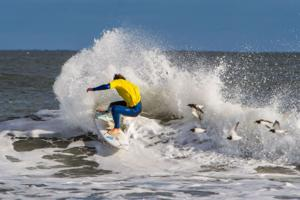 astate surf13-2917perry_siganos.JPG