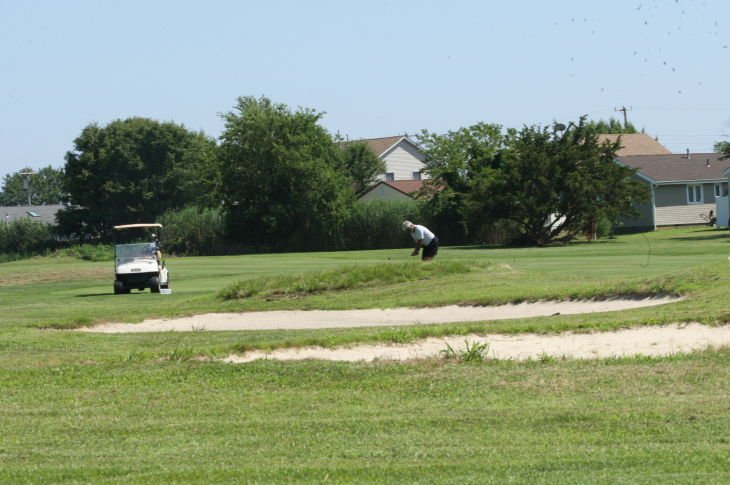 GOLF COURSE ALBATROSS