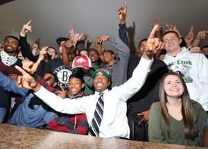 Cedar Creek's Damon Mitchell signs a letter of intent