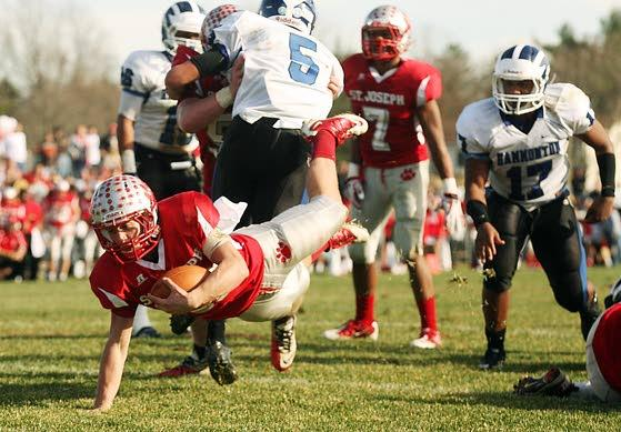 Top-ranked St. Joseph football makes statement with 32-3 win over No.7 Hammonton