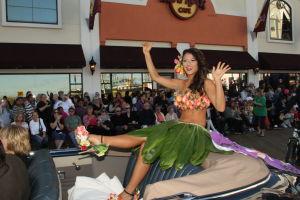 MISS AMERICA PARADE: Miss Hawaii Crystal Lee. - Edward Lea