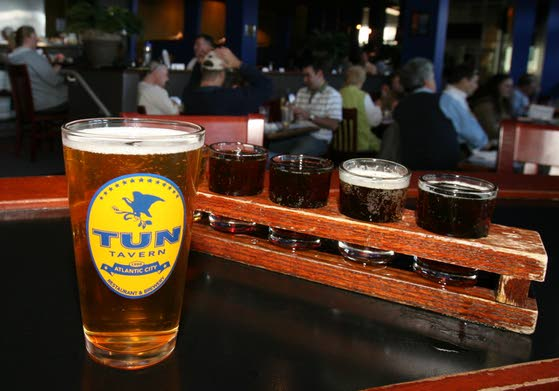 Burgers great at Tun Tavern, but other food is hit-and-miss