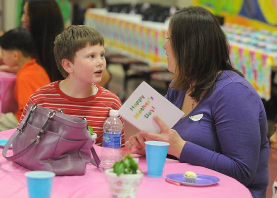 Kindergartners at Swift school go all out to honor their moms for Mother's Day
