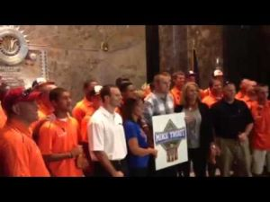 Mike Trout and Millville baseball players meet at the Empire State Building