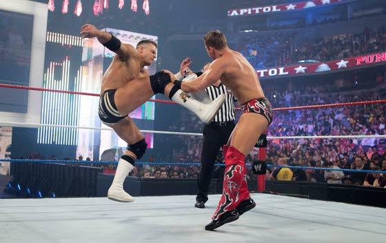 Bawdy Brawling: WWE Raw World Tour hits Wildwood