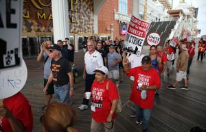 Steelworkers join Local 54 on picket line