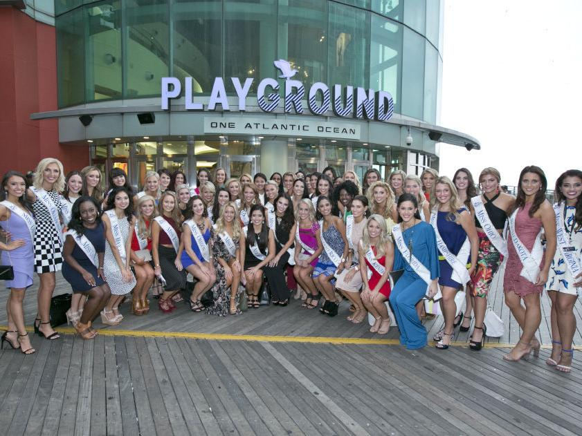 Miss America contestants hit the town