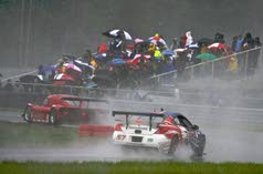 It's a driving rain: 31 teams cope with tricky conditions in slick Grand-Am race at Thunderbolt Raceway