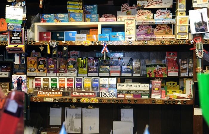 Say need cigarettes American