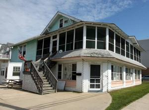 Former SIC lighthouse faces demolition in fall