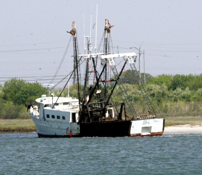 85 foot long boat runs aground in absecon inlet near for Brigantine fishing report