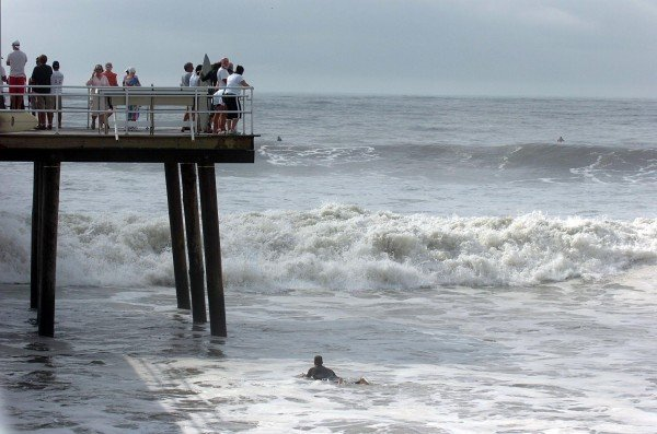 Hurricane bill heads to new england leaves many area for Atlantic city fishing pier