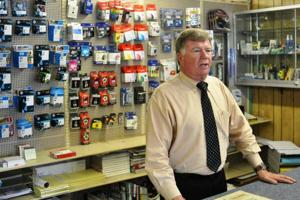 Office supply company sees improving economy