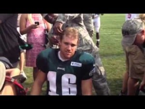 Eagles WR Chad Hall gets his head shaved for Wounded Warrior Project