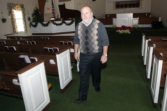 Linwood Community Church welcomes new pastor Vamosi to permanent role
