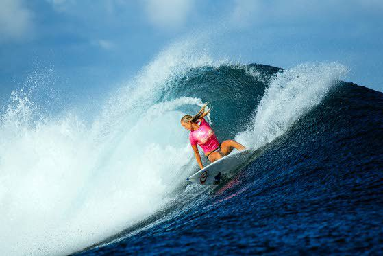 Bethany Hamilton wows in Fiji surfing competition
