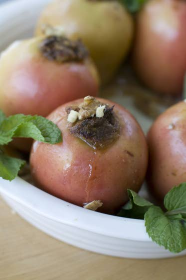 A baked apple for Rosh Hashana that is healthy, fast and festive