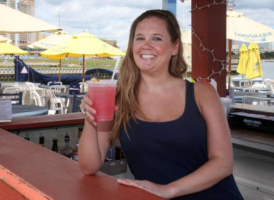 Back on the WagonScales debuts food truck, bar for summer