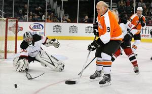 Firefighters share shifts with ex-Flyers, Devils