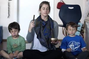 Mindful meditation at school makes kids go ommm